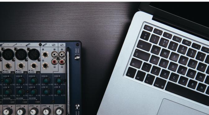 Facebook assume un musicista per crearsi i propri brani