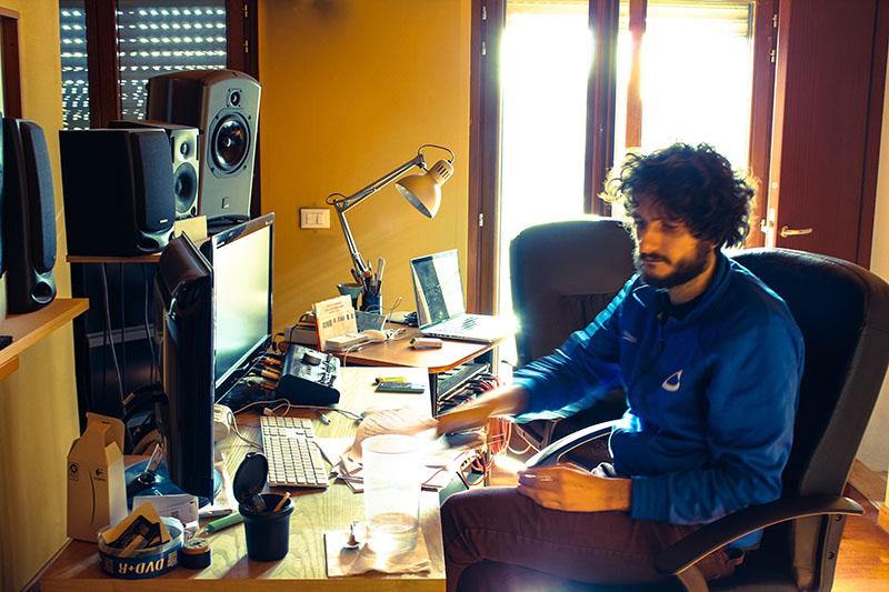 Michele Boreggi al lavoro su Shotgun Boogie.